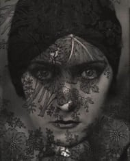 Edward Steichen (1879-1973): Gloria Swanson, 1924 (The Museum of Modern Art, New York, © Photo SCALA, Florenz, MOMA, New York, 2012; Condé Nast, courtesy Gloria Swanson Inc.)