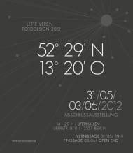 """""""52° 29′ N 13° 20′ O"""" (Plakat zurAusstellung)"""