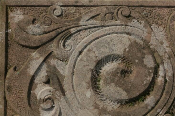 Sandstein-Schnörkel