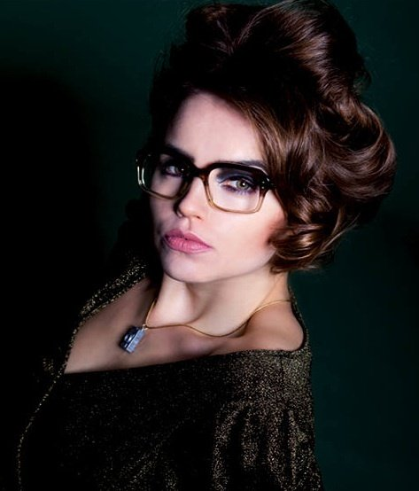Idea, Make up & Hairstyling by Valerie Claire Bodeux; Photographer: Stefanie Neumann