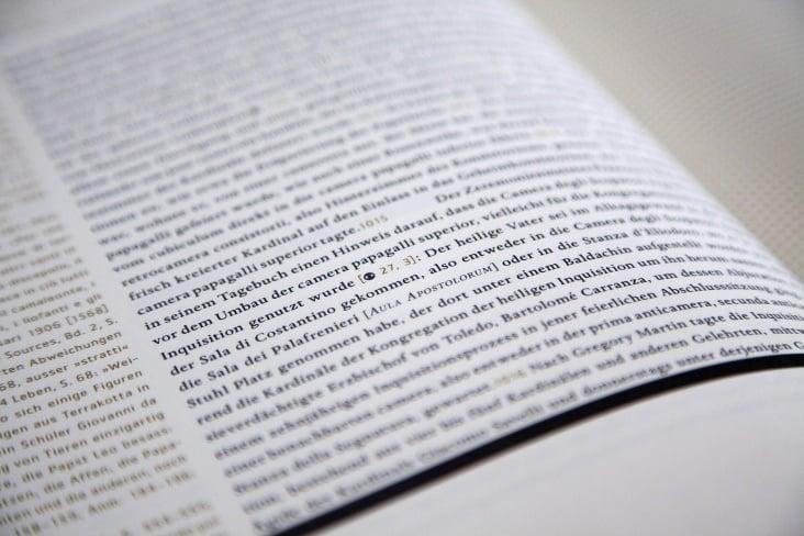 Renaissancebuch / Detail Lauftext und Marginalien