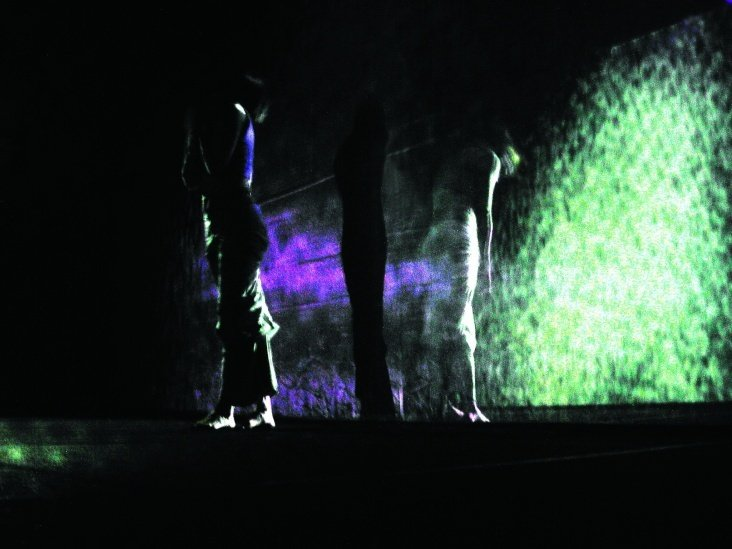 MOVING GALLERY. Performance 2001 – 2003