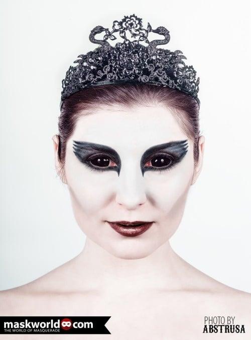 "Maskworld's ""Black Swan"" Make-Up Shooting"