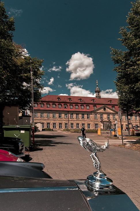 100 Meilen von Nürnberg 2015 Rolls vor Residenz-Hotel in Bamberg