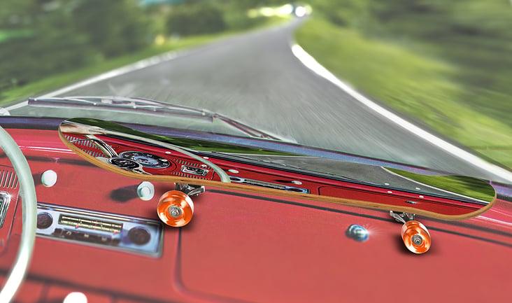 VW Käfer mit Käfer-Skateboard