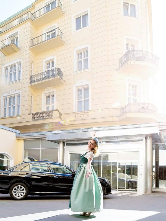 Christa Kummer, Portrait Business On Location.