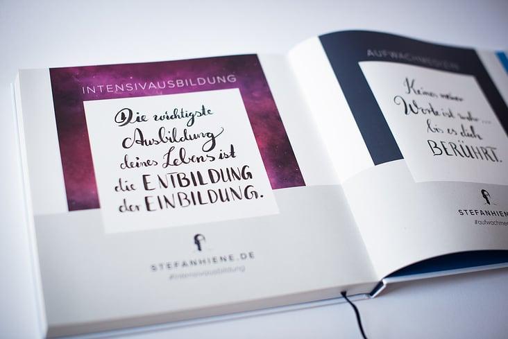 Innenseite Buch– Layout und Kalligrafie
